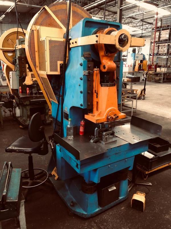 Manutenção em prensas