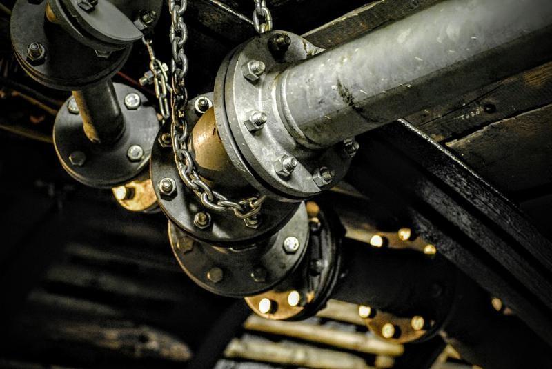 Montagem e desmontagem de equipamentos industriais
